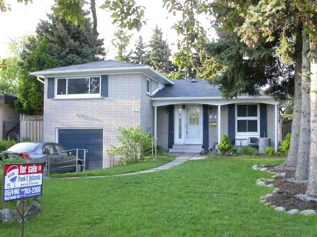 27 Candlewood Cres