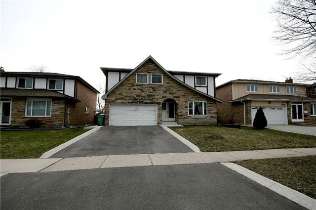 2414 Chilsworthy Ave   Cooksville   Mississauga   L5B2R2   MLS W3979038