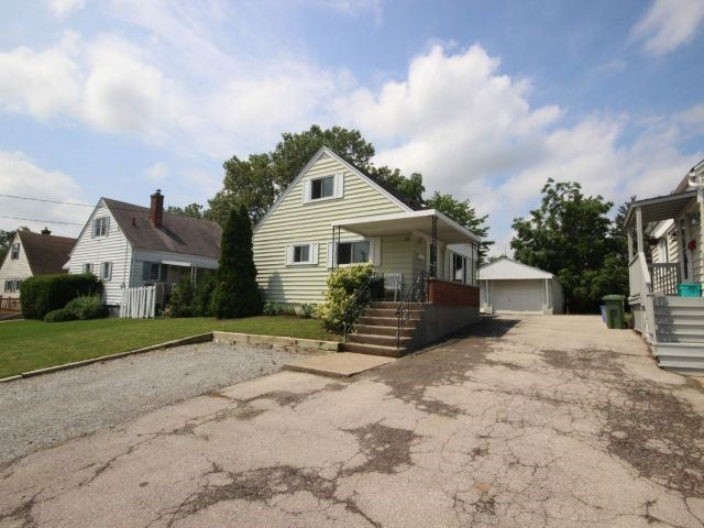 61 Whyte N. Ave, Thorold