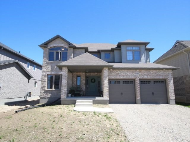 696 Normandy Dr, Woodstock