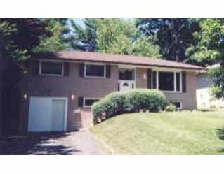 10 Downsview Dr photo #1
