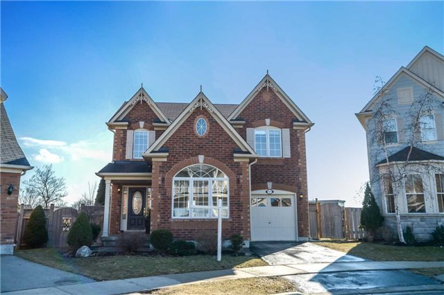 1255 Robson Cres