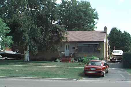 1205 Valley Dr photo #1