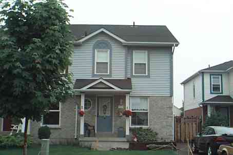 1308 Charter Cres photo #1