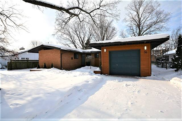 38 Downsview Dr