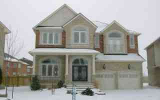 18 Howland Cres