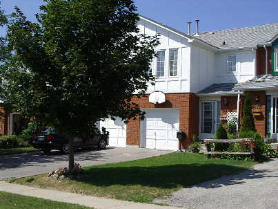 871 Clancey Cres photo #1