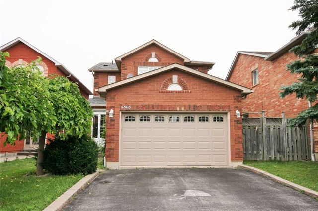 5805 Sidmouth St, Mississauga