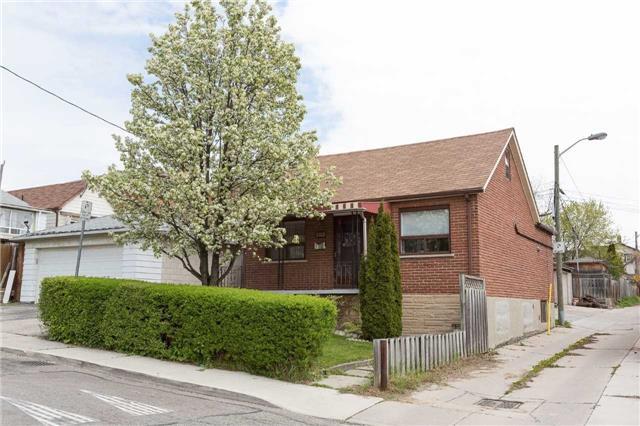 283 Earlscourt Ave   Caledonia-Fairbank   Toronto   M6E4B9   MLS W3802568