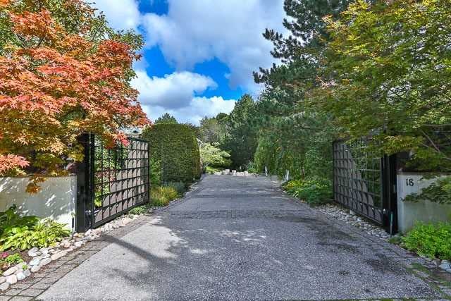18 Timberglade Crt | Bridle Path-Sunnybrook-York Mills | Toronto | M2L2Y2 | MLS C3766614