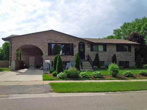 290 Martindale Cres