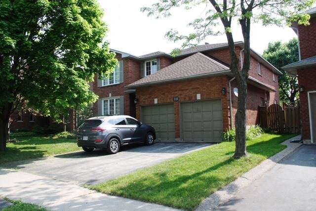1541 Stationmaster Lane, Oakville