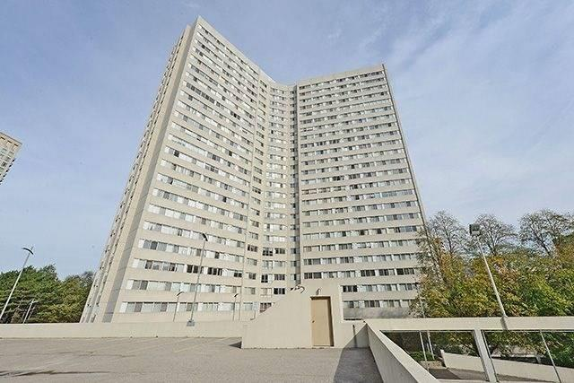 3700 Kaneff Cres | City Centre | Mississauga | L5A4B8 | MLS W4011786