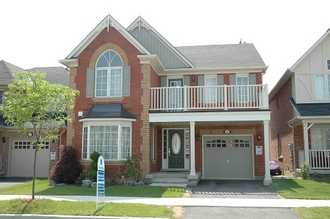1261 Robson Cres