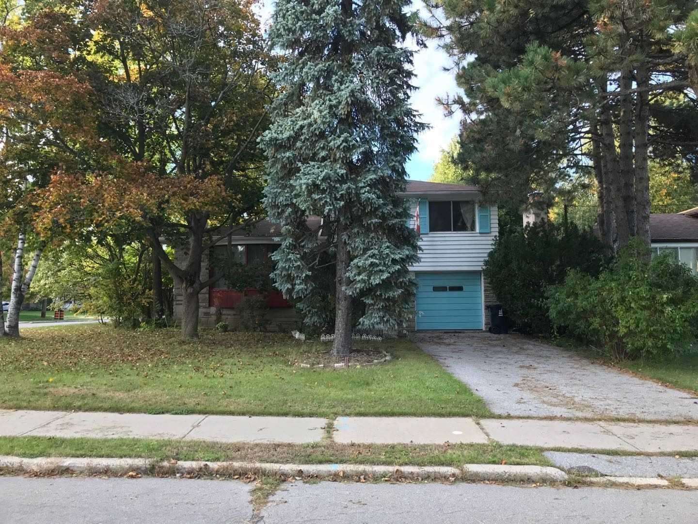 7 Knollview Cres
