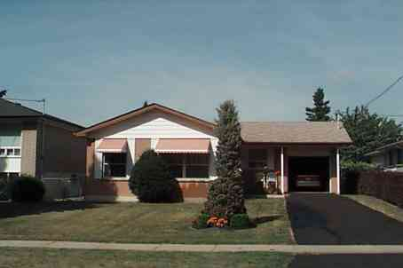 24 Candlewood Cres photo #1
