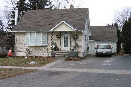 13 Woodhouse Cres