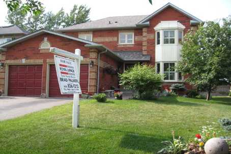 330 Chambers Cres