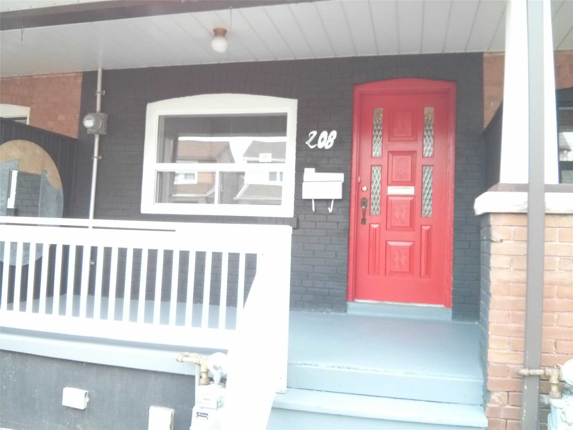 208 Blackthorn Ave