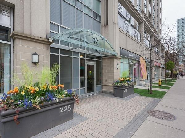 225 Wellesley St E | Cabbagetown-South St. James Town | Toronto | M4X1X8 | MLS C3822964