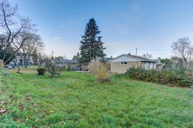 30 Caswell Dr