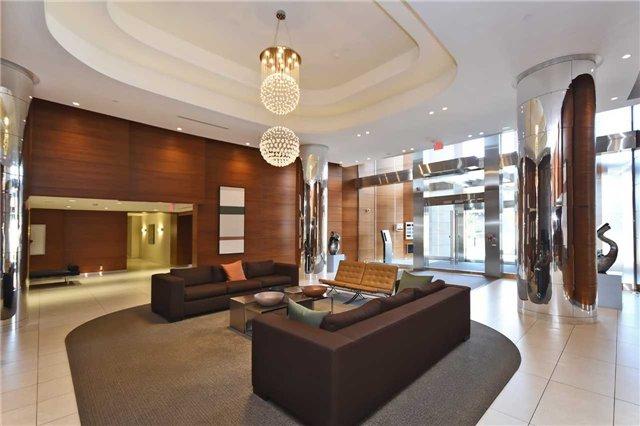 19 Valhalla Inn Rd   Islington-City Centre West   Toronto   M9B1S9   MLS W4033388