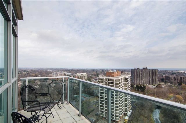 1055 Southdown Rd | Clarkson | Mississauga | L5J0A3 | MLS W4003770