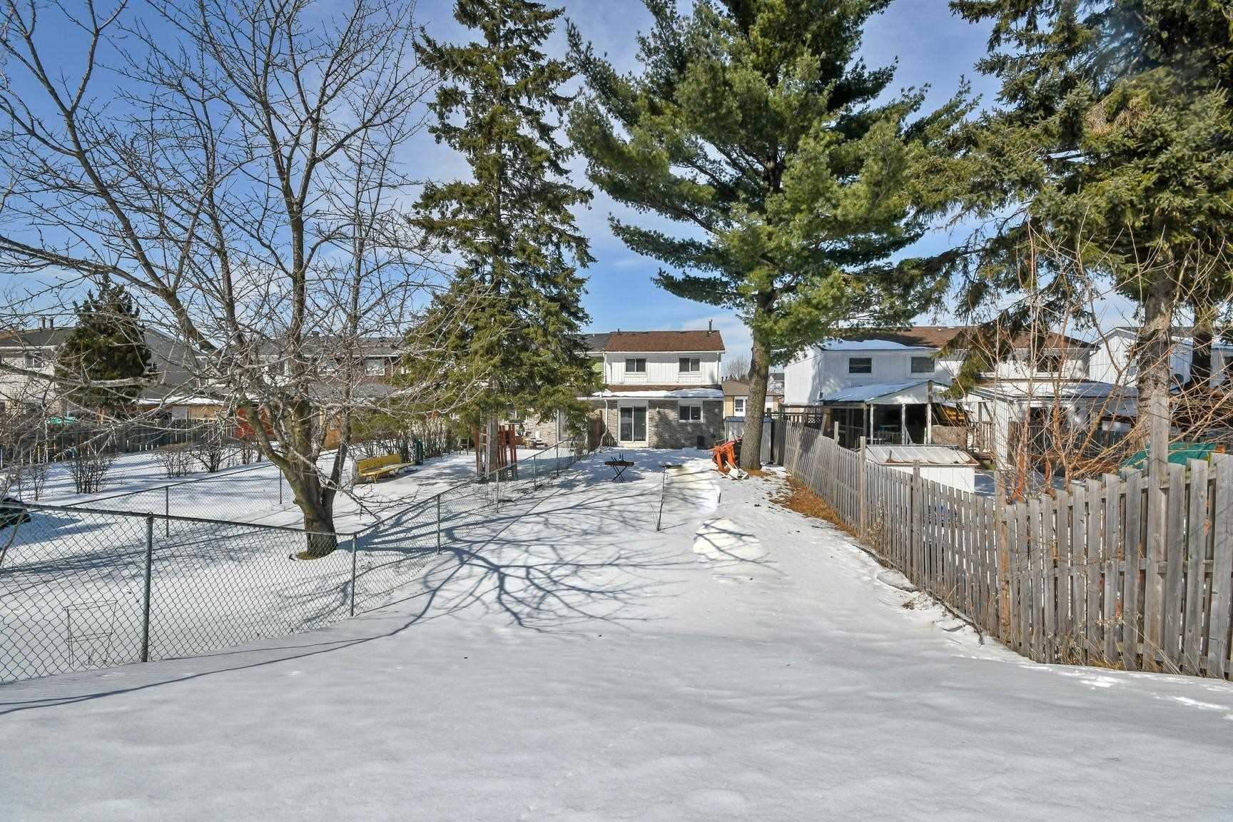 73 Horseley Hill Dr