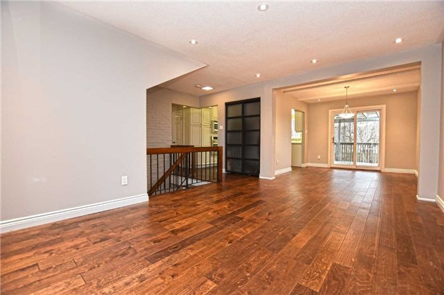 104 Bow River Cres | Streetsville | Mississauga | L5N1J2 | MLS W4010426