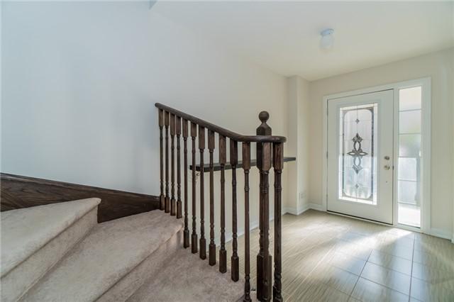 87                    和家庭房相连                    硬木地板
