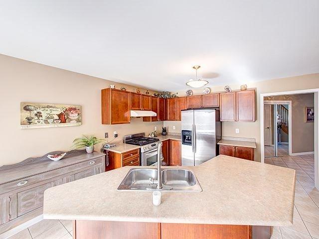 17 Fitzwilliam Ave | Oak Ridges Lake Wilcox | Richmond Hill | L4E4N8 | MLS N4007144