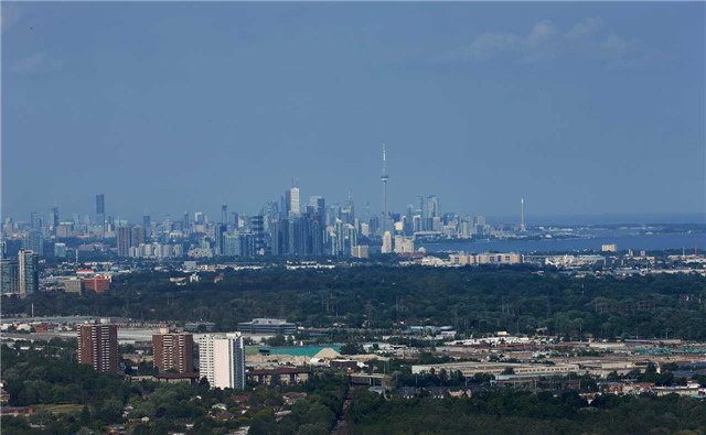 3975 Grand Park Dr | City Centre | Mississauga | L5B4M6 | MLS W4228308